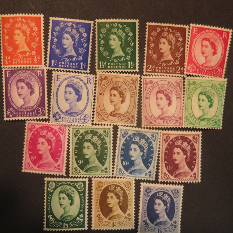 Great Britain 292-308 Mint OG, NH.  First Elizabeth II set 1952-1954 Cv. $110