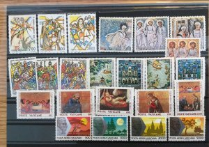 Vatican City 1990 Compete MNH (Mint Never Hinged) NH Year Set