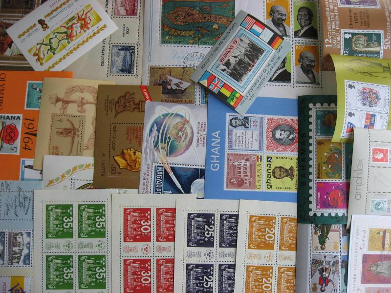 Scrap pile of 22 various nicer WW SS souvenir sheets mixed condition,what lurks?