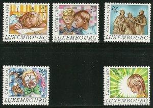Luxembourg - Scott B352-56 VF MNH