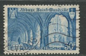 France - Scott 649 - General Issue -1951 - FU -Single 30fr Stamp