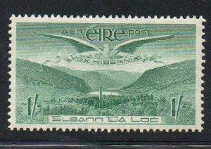 Ireland Sc C5 1949 1/ Angel over Glendalough Airmail stamp mint