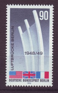 J24358 JLstamps 1974 germany berlin set of 1 mnh #9n346 flags