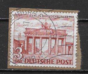 Germany Berlin 9N59 3m Brandenburg Gate single Used (z5)