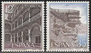 SPAIN 2467-2468, TOURISTIC SITES. MINT, NH. F-VF. (483)