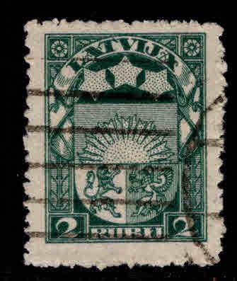 Latvia Scott 105 Used coat of arms stamp