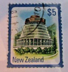 New Zealand SC #650  PARLIAMENT BUILDING WELLINGTON   used stamp