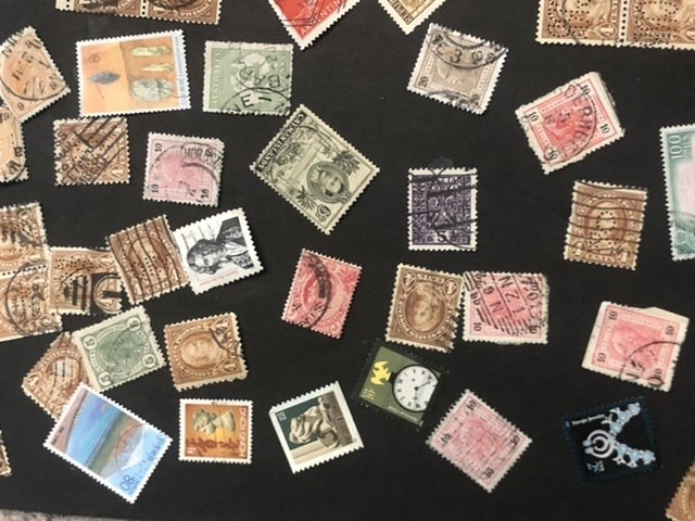 W.W. Loose Stamps Lots Of Very Old Might Find Some Gems