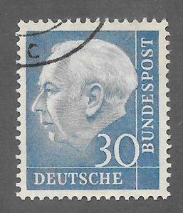 Germany Scott 712 Used 30pf Pres Heuss stamp 2018 CV $4.50