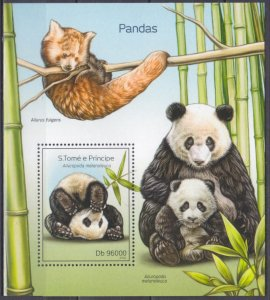 2014 Sao Tome and Principe 5608/B980 Panda 10,00 €