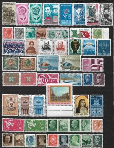 COLLECTION LOT OF # 823 ITALY 52 MH STAMPS 1942+