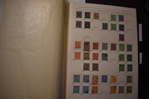 GERMANY 530-56 USED COLLECTION OF TYPES MICHEL 911-37 ABOUT 500 EURO CAT VALUE