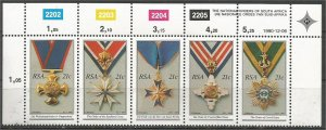 SOUTH AFRICA, 1990, MNH Strip of 5, National Decorations Scott 801b