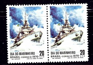 Brazil 1182 issued without gum 1970 Ships Pair    (ap1185)