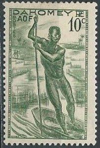 Dahomey 116 (mh) 10c man poling canoe, grn (1941)