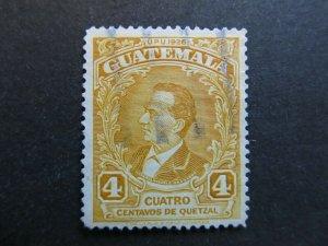 A4P10F22 Guatemala 1929 4c used