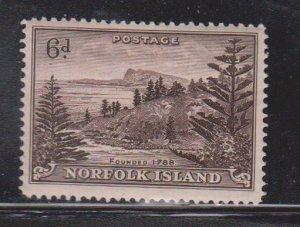 NORFOLK ISLAND Scott # 9 MH - Pine Trees