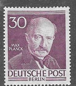 Germany - Berlin #9N92-9N93    (MH) CV$5.00