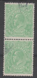 AUSTRALIA 1918 KGV 1/2D PAIR VARIETY THIN 1 AT RIGHT LARGE MULTI WMK USED