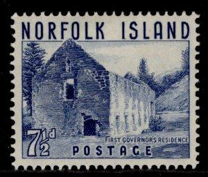AUSTRALIA - Norfolk Island QEII SG16, 8½d chocolate, M MINT.