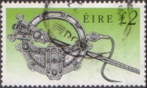 Ireland 1990 SG764 £2 Tara Brooch FU