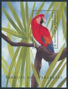 [108764] Gren. Carriacou & Petite Martinique 2000 Bird Parrot Macaw Sheet MNH