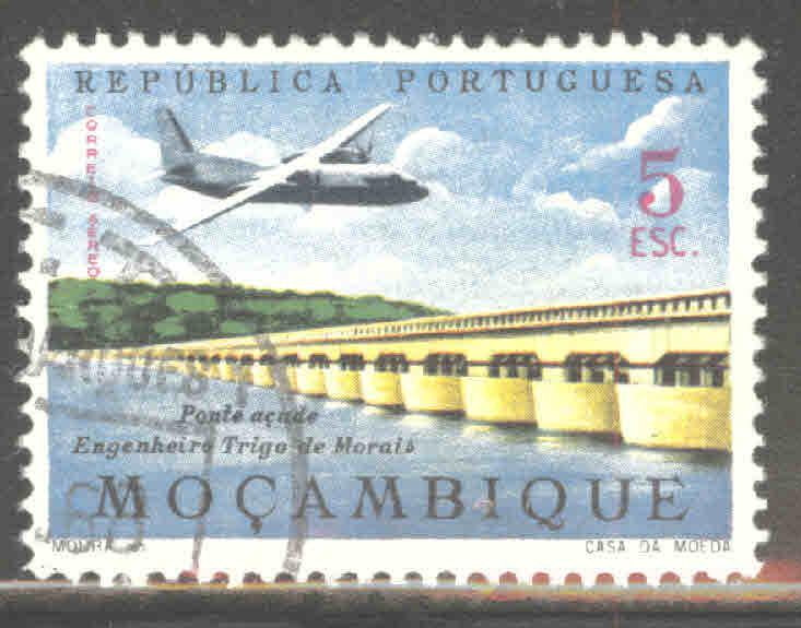 Mozambique Scott C33 Used airmail stamp