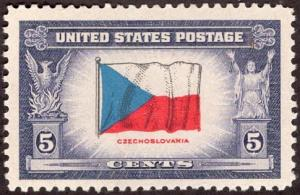 United States 910 - Mint-H  - 5c Overrun Countries / Czecholslovakia (1943)