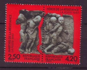 J20259  jlstamps 1993 france set pair mnh #2365a heros of resistance art