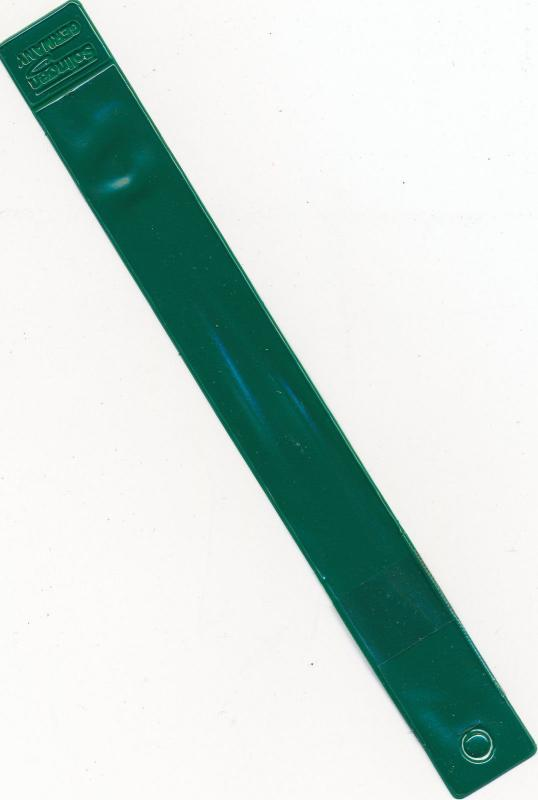Showgard Tong #907 Angled Tip 6 Professional Length w/ Dark Green Plastic Case