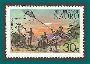 Nauru 1973 Catching Birds, 30c MNH #102,SG110