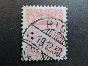 A4P25F24 Latvia Lettonia Lettland 1927-33 Wmk Mult Swastikas 20s used