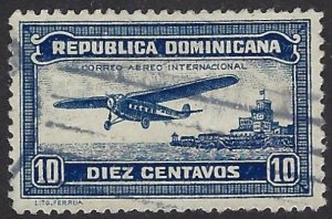 DOMINICAN REPUBLIC C17 USED $2.75 BIN $1.10 AIRPLANE