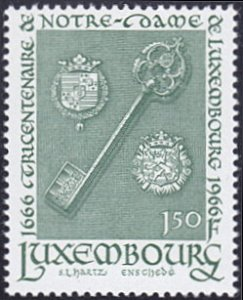 Luxembourg # 435 mnh ~ 1.50fr Key and Arms