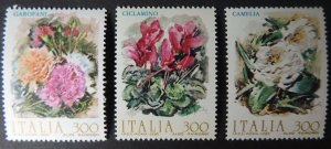 Italy 1982 flowers Camellias carnations Cyclamen 3v MNH