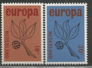 NETHERLANDS  438-439  MNH, EUROPA