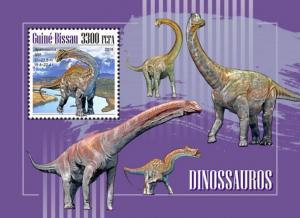 GUINEA BISSAU - 2018 - Dinosaurs  - Perf Souv Sheet - MNH