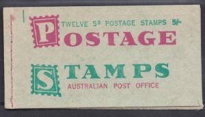 AUSTRALIA 1962 QEII 5D GREEN 5/- BOOKLET WITH WAXED INTERLEAVES MNH **