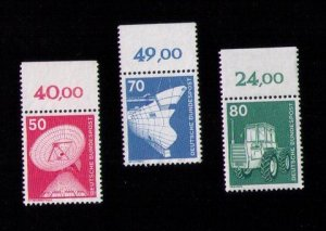 WEST GERMANY Mint No gum STAMP DEUTSCHE BUNDESPOST 1975 industry and agriculture