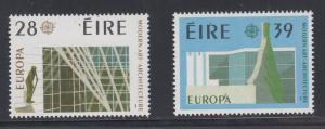 Ireland    #689-90    mnh      cat $13.00