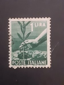*Italy #468                  Used