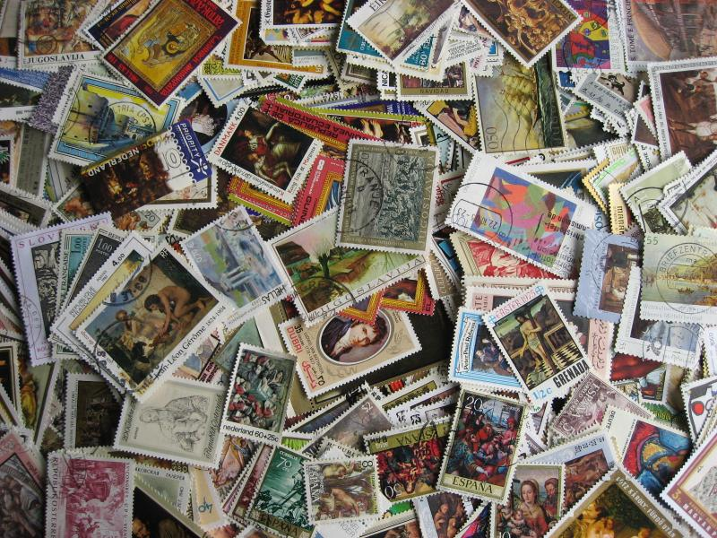 500 Art stamps, with postally used, mostly different!