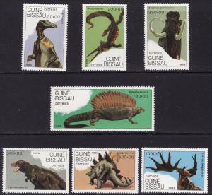 Guinea-Bissau MNH 827-33 Prehistoric Dinosaurs SCV 10.00
