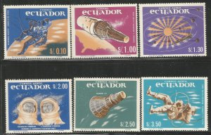 ECUADOR  749-749E  MNH,  SPACE EXPLORATION