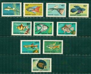 R4-0002 HUNGARY 1437-46 MNH SCV $4.60 BIN $2.50  (5)
