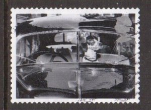Great Britain  #1958  used  2001  cats and dogs 1st dog in car