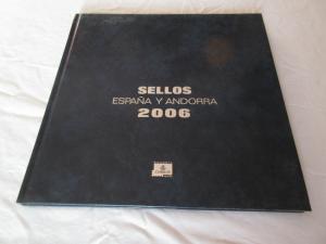 ALBUM ESPAÑA Y ANDORRA 2006 EDITADO POR CORREOS SIN SELLOS