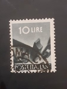 *Italy #473               Used