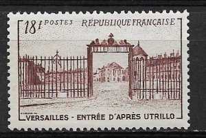 1952 France 686 Versailles Gate by Utrillo MNH