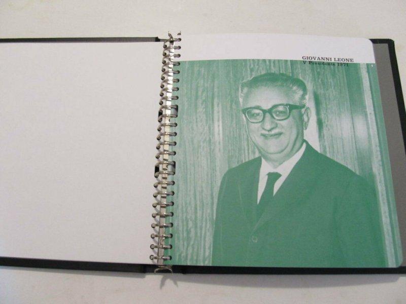 Bolaffi Custodia Cartella Fogli dal 1972-84 con Servizi Pari al Nuovo